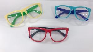 ちょっと冒険したいならこんなメガネはどうですか??